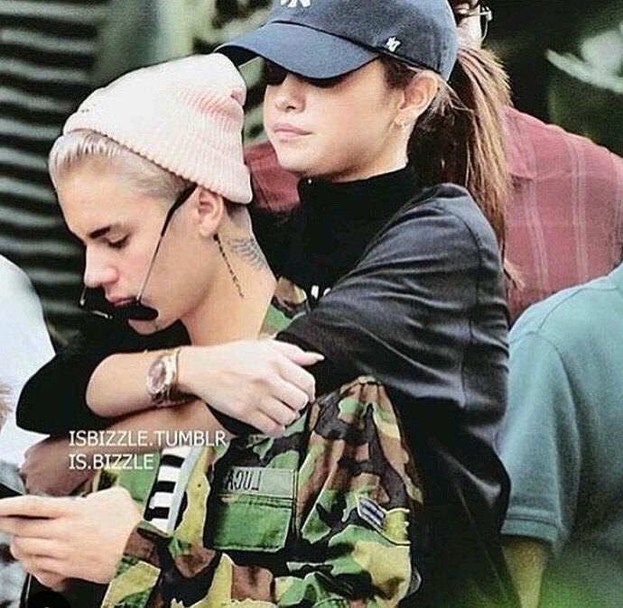 Selena Gomez y Justin Bieber (foto editada )