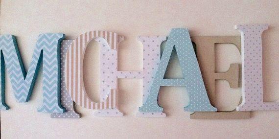 Lettere di legno per la scuola materna in aqua blu grigio e