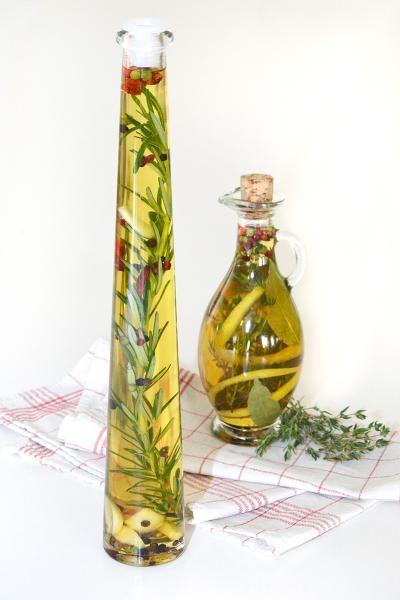 Bylinkové oleje a octy / Použití bylinek / Rady, recepty & bylinkové tipy / SONNENTOR.cz - SONNENTOR - Tady roste radost - biočaje a biokoření