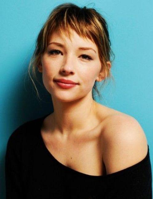 Franja curta assimétrica | Haley Bennet | Asymmetrical bangs