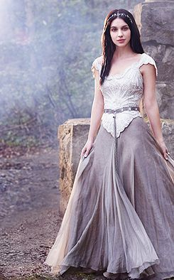 Reign Daily I would love a wedding dress similar to this… but in all white ♥