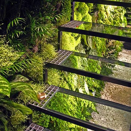 25 best ideas about patrick blanc on pinterest vertical gardens wall gardens and vertical - Giardino verticale madrid ...
