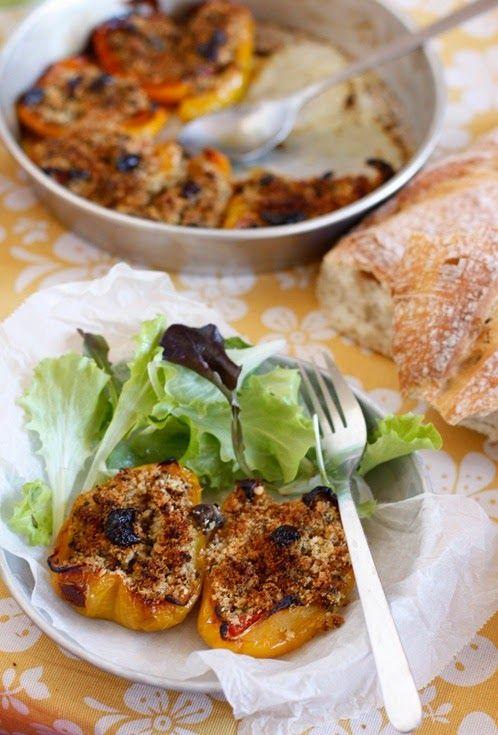 Peperoni ripieni con pane profumato alle erbe