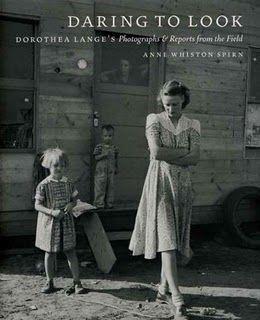 Libro de fotogrfias de Dorotha Lange Daring to look