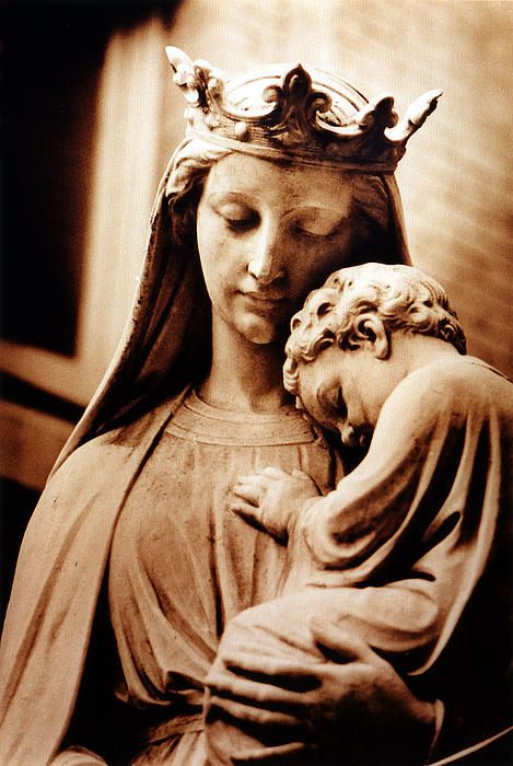 Mãe de Deus                                                                                                                                                                                 More