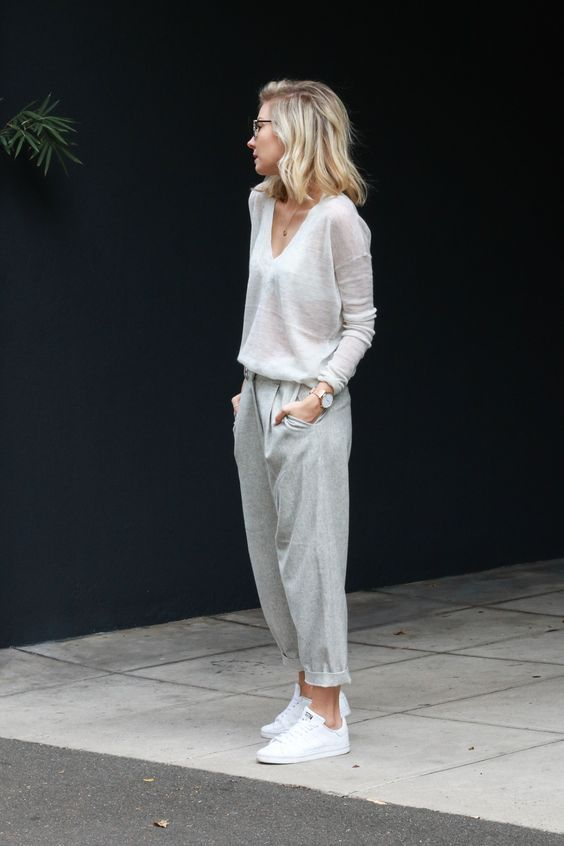 Minimal trends | Ultra comfortable outfit