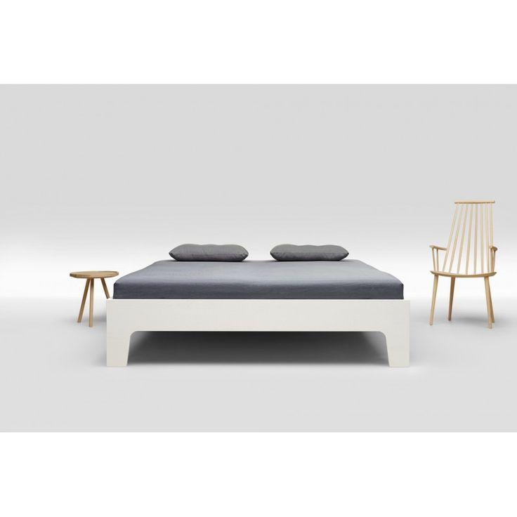 ber ideen zu holzbett auf pinterest lederbett holzbett massiv und holzbett selber bauen. Black Bedroom Furniture Sets. Home Design Ideas