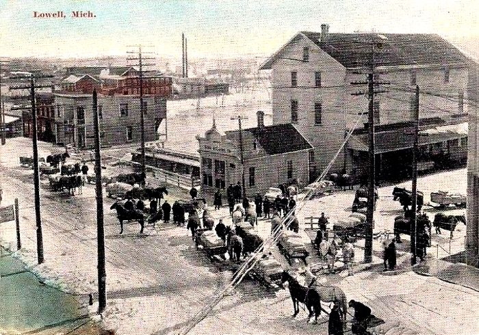 Lowell-Michigan-Farmers-Delivering-at-Mill-1908