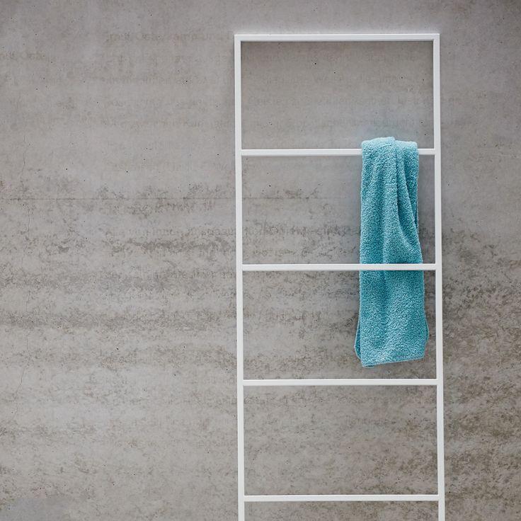die besten 25 handtuchhalter wand ideen auf pinterest handtuchhalter badezimmer handt cher. Black Bedroom Furniture Sets. Home Design Ideas