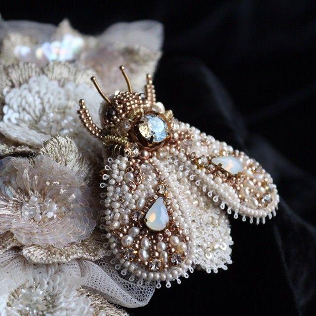 WEBSTA @ lyudmila__plotnikova - Брошь в продаже,ссылка в профиле#вышивка…