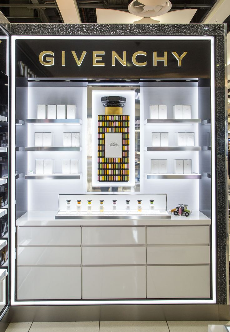 Givenchy-Counter-2.jpg (3622×5219)