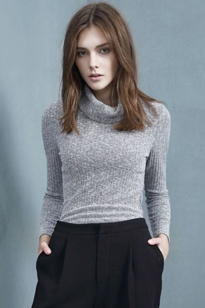 Solid Color Turtle Neck Long Sleeve Sweater