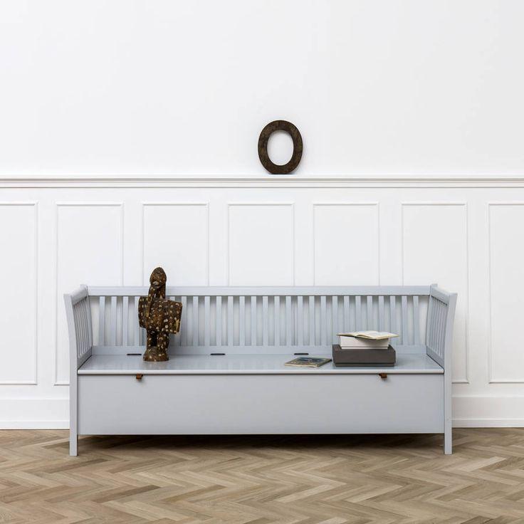 Scandinavian bench in Grey