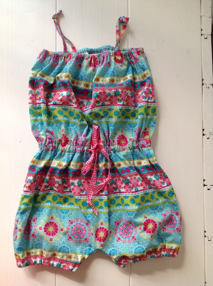 Jumpsuit gemaakt door mij! Uit de burda kids (https://www.facebook.com/KidsencoAtelier?ref=hl&ref_type=bookmark)