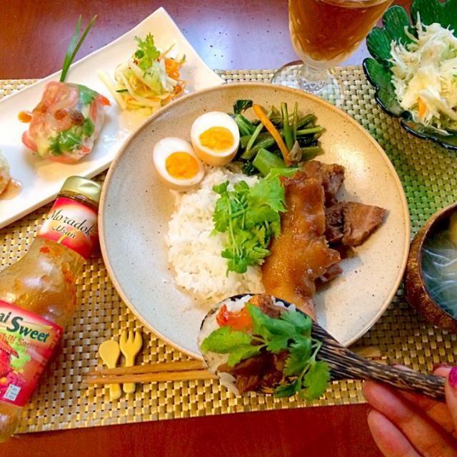 ご飯が進むぅお代わりしちゃった 豚足レシピ、これリピ決定だわ - 69件のもぐもぐ - Today's  Amigo's Thai dinnerタイディナー前菜・แกงจืดเต้าหู้♨️豆腐と春雨のチキンスープ・ข้าวขาหมู豚足煮込みご飯 by honeybunnyb