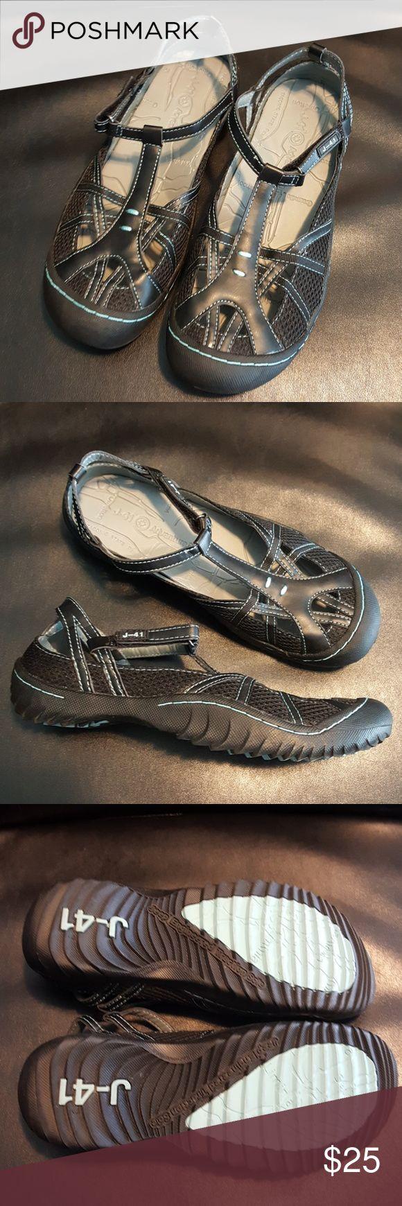 J-41 Jeep Adventure On Shoes Great summer shoe! size 7M, excellent condition. J-41 Shoes Sandals