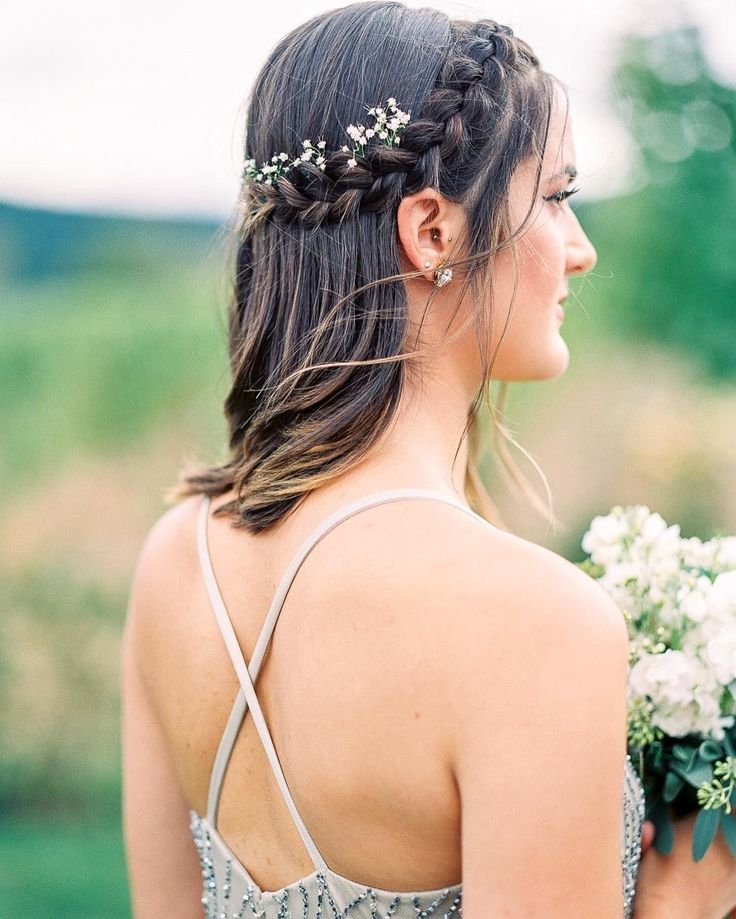 Half-Up, Half-Down Wedding Hairstyles For Every Type of Bride | Brides.com