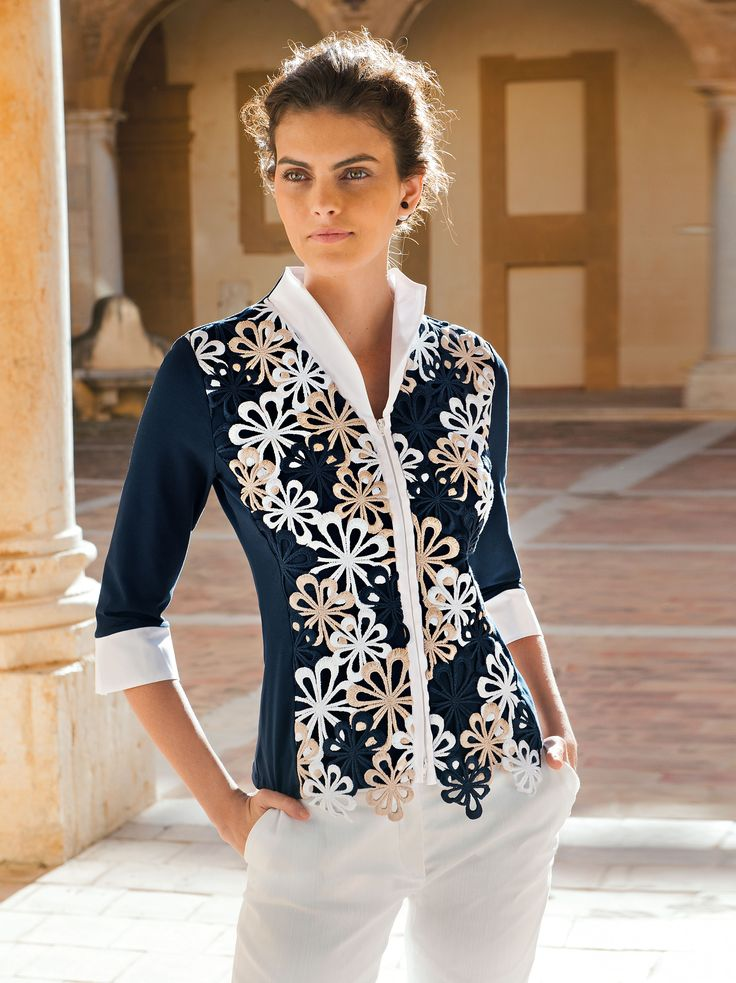 NARACAMICIE Very elegant blouse with lace