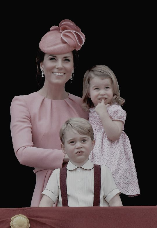 """Mummy & Her Babies ❤ """