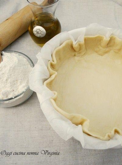 La pasta brisè senza burro è una versione più leggera della classica preparazione di base francese per cucinare quiche, strudel salati e torte salate.