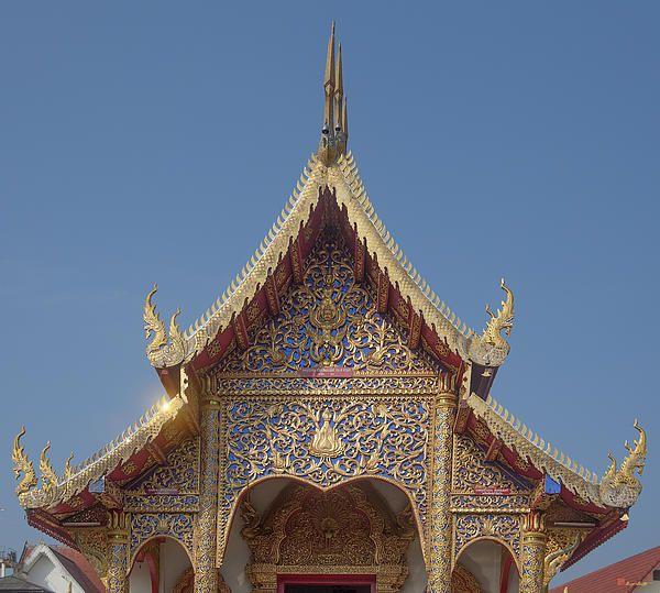 2013 Photograph, Wat Dok Eung Phra Wihan Gable, Tambon Sri Phum, Mueang Chiang Mai District, Chiang Mai Province, Thailand, © 2013.  ภาพถ่าย ๒๕๕๖ วัดดอกเอื้อง หน้าจั่ว พระวิหาร ตำบลศรีภูมิ เมืองเชียงใหม่ จังหวัดเชียงใหม่ ประเทศไทย