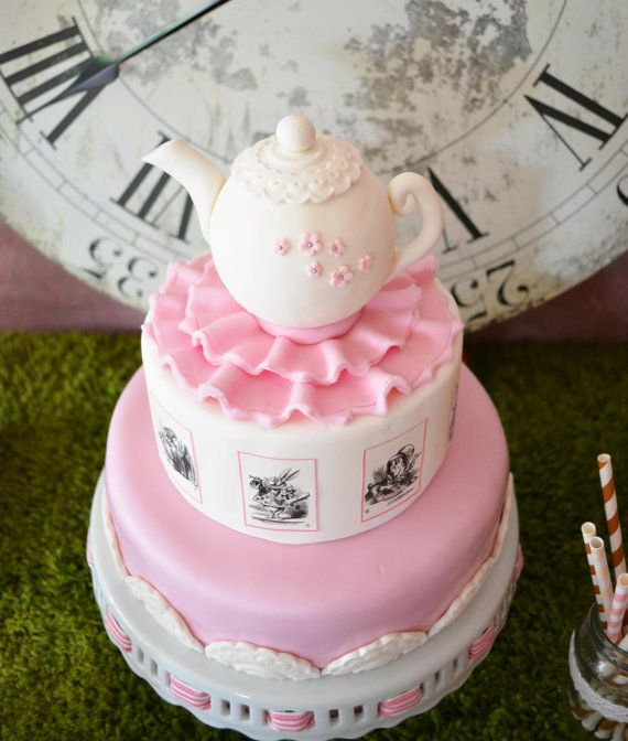 Edible Cake Decorations Alice In Wonderland : 17 Best images about Alice in Wonderland on Pinterest ...