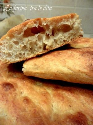 ciaccia morbida con lievito madre - la farina tra le dita