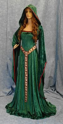 Elven celtic dress (I could pull this off so well!!)