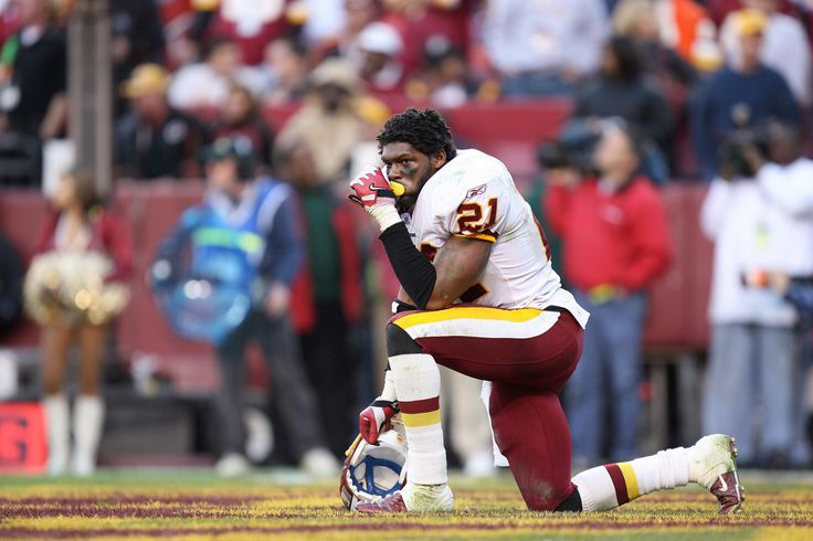 Washington Redskins defensive back Sean Taylor (21) looks on against Oakland during the second half at FedEx Field in Landover, Maryland on November 20, 2005. Oakland defeated Washington 16-13.  (3000×2000)