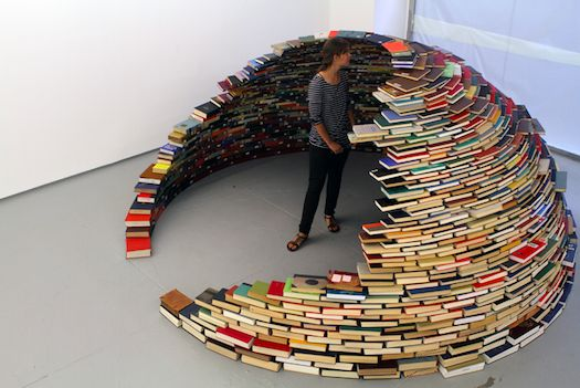 If you're looking for a creative way to upcycle your unwanted books, you might like to turn to Miler Lagos' recent installation for inspiration.
