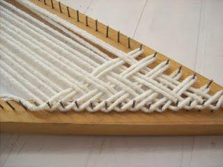 como tejer en diagonal con el telar triangular