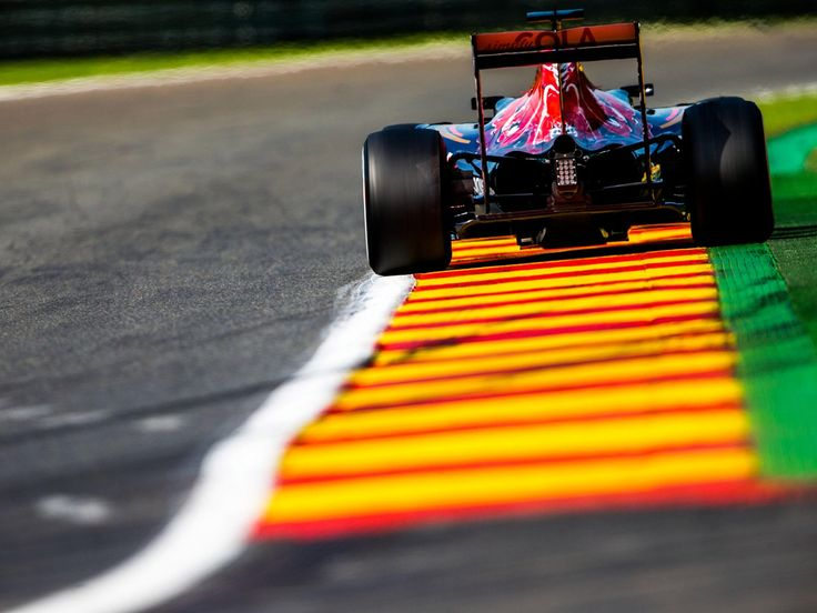 Daniil Kvyat, Carlos Sainz, track action, garage, team, pitlane... enjoy the best shots from our #F1 2016 Belgian Grand Prix. Full Galleries on http://win.gs/str_galleries . Wallpaper download section on http://win.gs/str_download. #F1 #tororosso #kvyat #sainz #redbull #BelgianGP