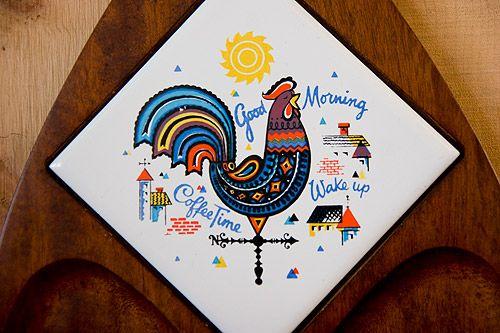 カントリー雄鶏イラストの木製チーズ&スナック・トレー - アンティーク・ジュエリー&ヴィンテージ・アクセサリー、一点ものブローチの通販販売ストア