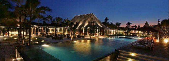 Romantikus utazás Valentin napon -  Dőljön hátra és pihenjen a szerelmesek világnapján Balin, a Royal Santrian-ban, ahol a Földön túli mennyország lakosztályai várják. Olvass tovább: http://www.stylemagazin.hu/hir/Romantikus-utazas-Valentin-napon/9740/