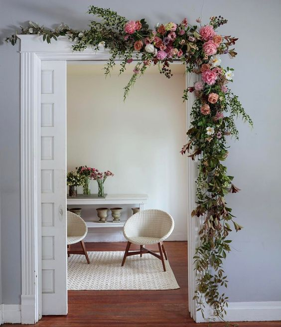 17 Fun Ideas To Celebrate Spring With Flower Decor