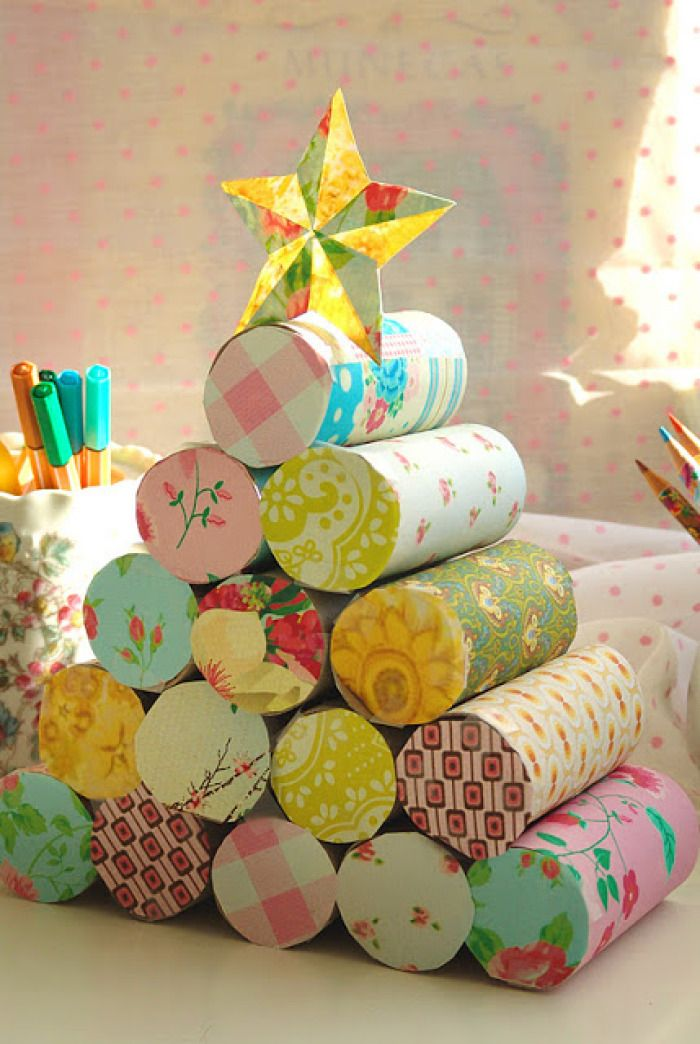 EL MUNDO DEL RECICLAJE: DIY árbol de Navidad con rollos de WC