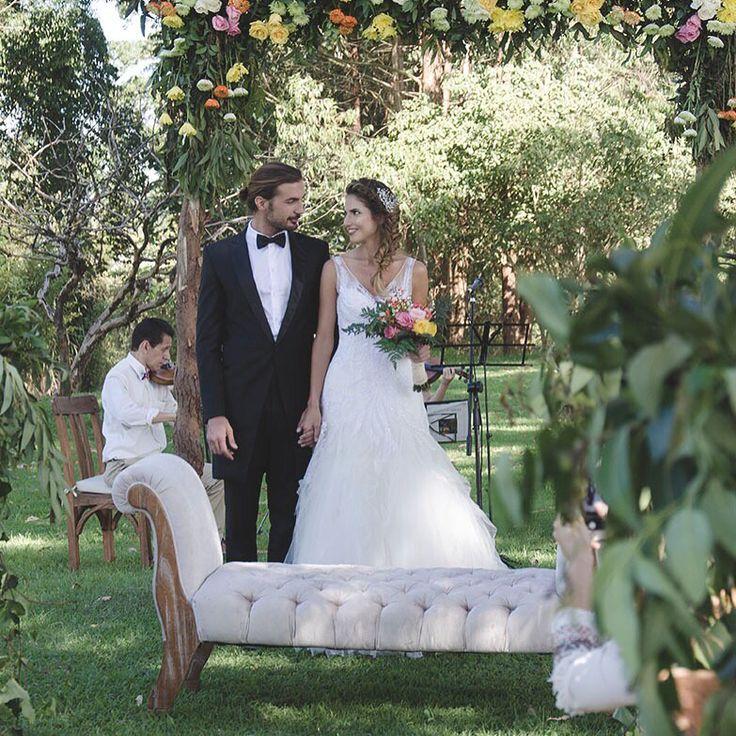 Los cuentos de hadas existen, si cada cosa que haces y cada relación que creas le metes amor de verdad #zonaellanogrande.                                              Llámanos al 3106158616/ 3206750352 y reserva desde ya. #CasaBali #boda #BodasAlAireLibre #BodasCampestres #Eventos #weddingplannner #weddingplanning #weddingtips #boda #wedding #timetoparty #celebration #weddingreception #weddingparty #destinationwedding #bodascolombia #bodasmedellin #tuboda #yourstyle