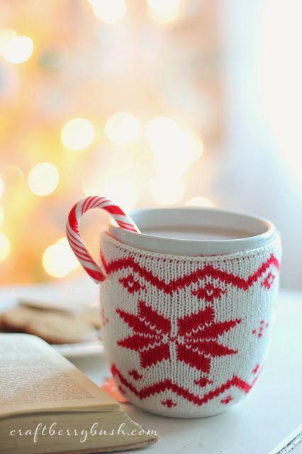Haak of brei een schattig truitje voor jouw mok, dat maakt het thee(of koffie) drinken nog gezelliger!