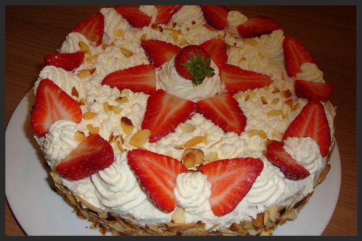 Ellouisa: Aardbeien-slagroomtaart