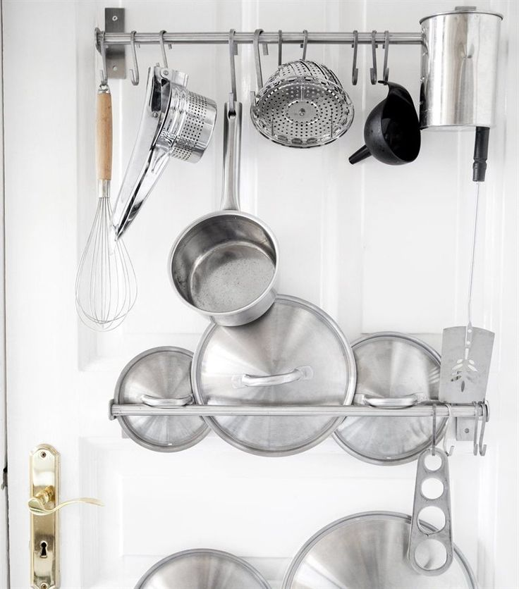 Hang it up! Instead of hiding kitchen equipment away Peter & Elisabeth use the doors to hang things on. | GRUNDTAL storage