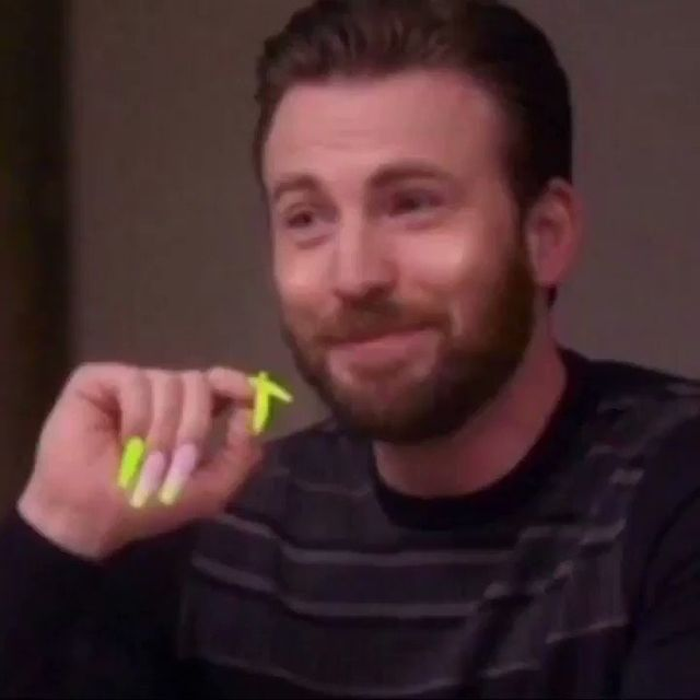 People Are Editing Fake Nails Onto Marvel Actors And The Results Are Hilarious In 2020 Aesthetic Memes Reactions Meme Cute Memes