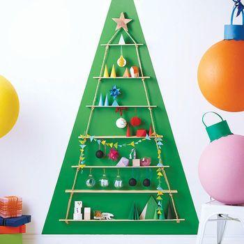 Strickleiter-alternativer Weihnachtsbaum