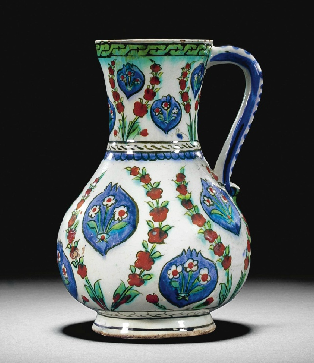 Aᅠ LARGEᅠ IZNIKᅠ POLYCHROMEᅠ POTTERYᅠ JUG,ᅠ TURKEY,ᅠ CIRCAᅠ 1575