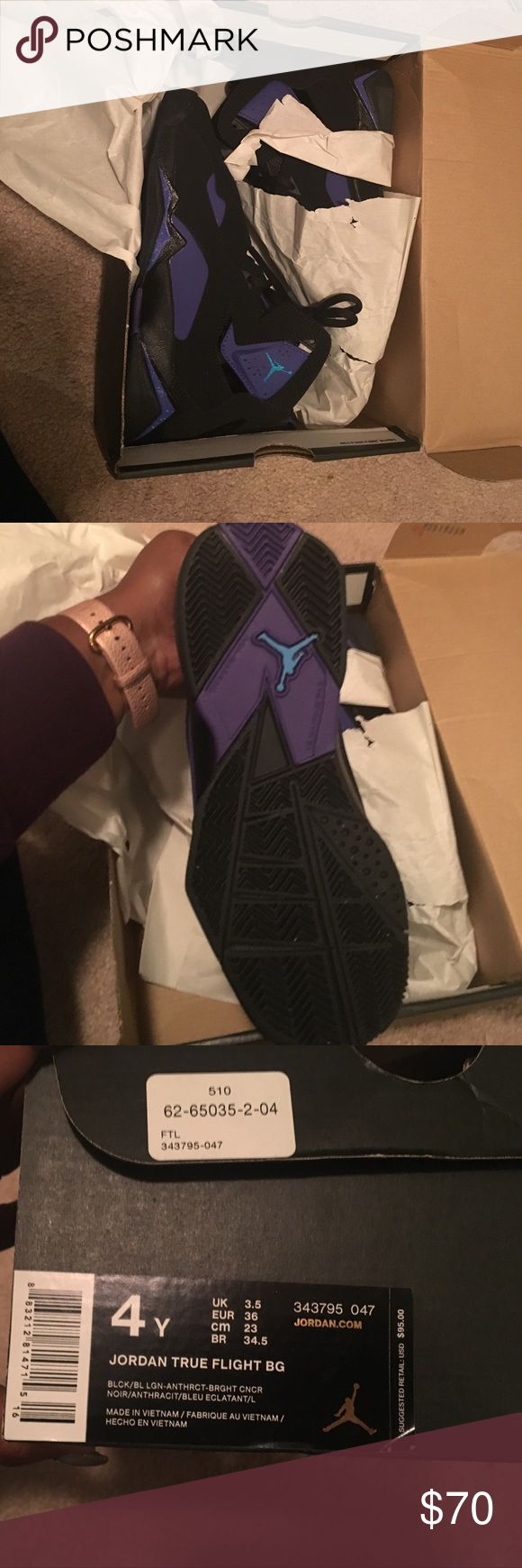 Jordan True Flight youth 4 wmn 6 Brand new in box....Never worn....this is a steal !!! Open to offers Air Jordan Shoes Sneakers