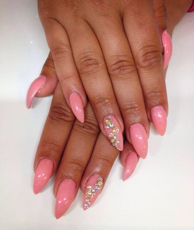 25+ Beste Ideeu00ebn Over Roze Stiletto Nagels Op Pinterest - Stiletto Nagel Ontwerpen ...