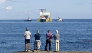 La Plataforma Oceánica de Canarias (Plocan) está ya en la costa de Telde en donde desarrollará su labor como laboratorio de ensayo de la investigación e innovación en las ciencias marinas.