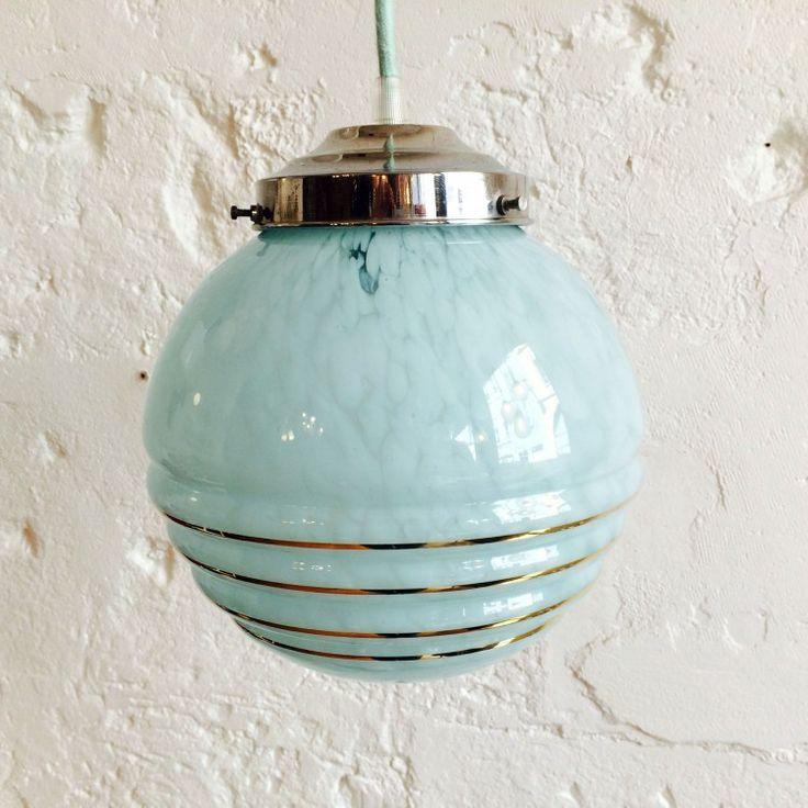 Les 25 meilleures id es de la cat gorie lustre bleu sur for Globe luminaire interieur