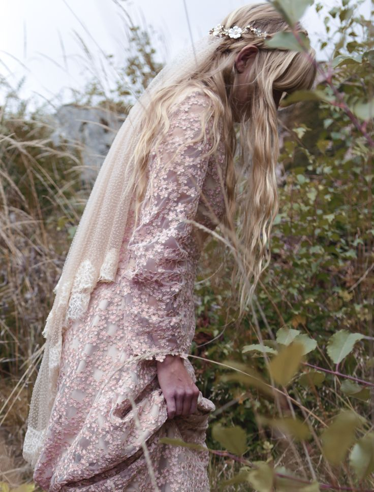 Wild Spirit Lover's designer Emma´s non-white wedding and the first ever made Wild Spirit Lovers veil ⊹ Bohemian wedding veil ⊹ Vintage inspired wedding veil ⊹ Vintage bride ⊹ Bohemian bride