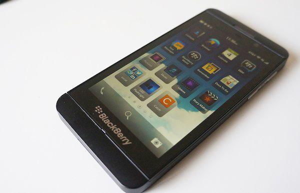 BlackBerry Z10 Review - ¿Ustedes cambiaran su iPhone, Galaxy y Windows Phone por BB?