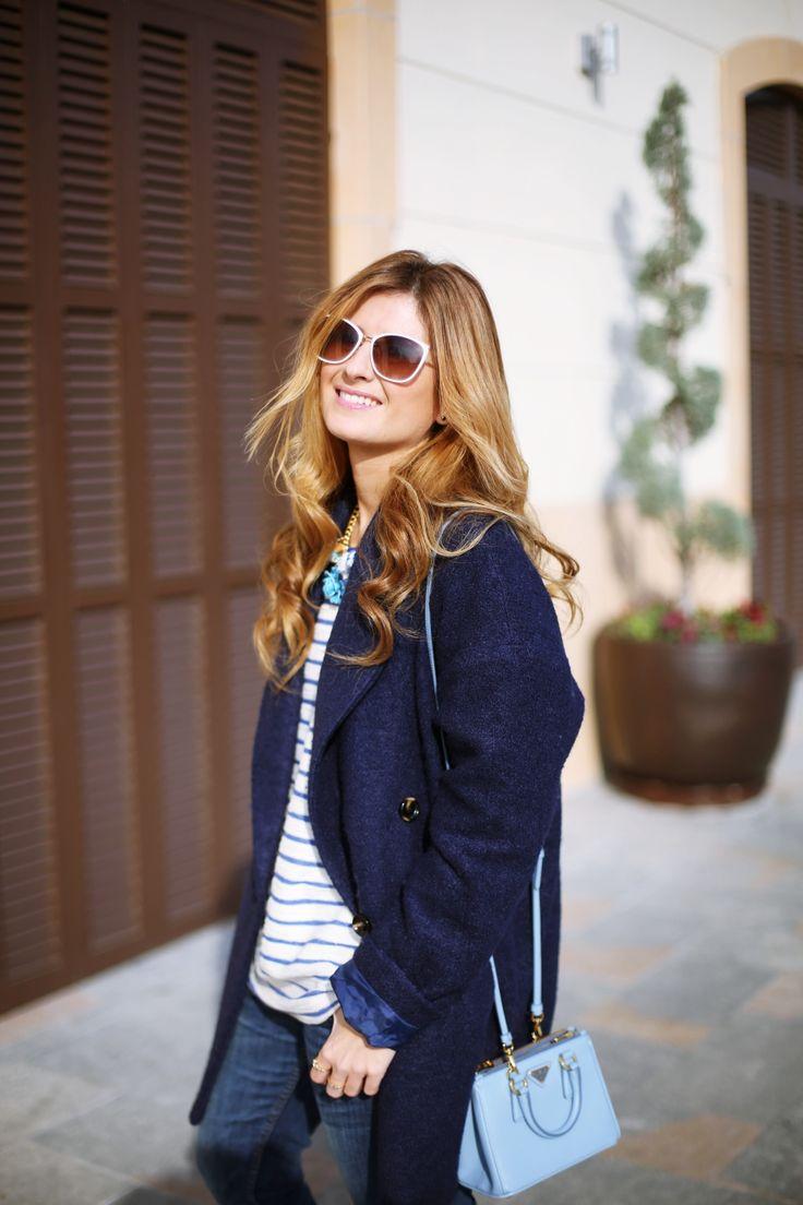 Casual Look. Look en tonos azules. A trendy life. #casual #bluelook #denim #jeans #lookazul #camisetaderayas #minibag #collarceramica #details #oysho #superdry #prada #andresgallardo #maxmara #mustt #outfit #fashionblogger #atrendylife www.atrendylifestyle.com